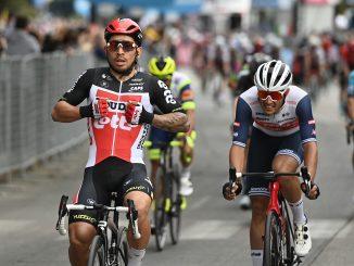 Caleb Ewan Sprints to Victory